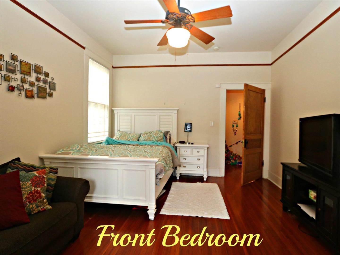 3523CampStreetBedroom1.jpg